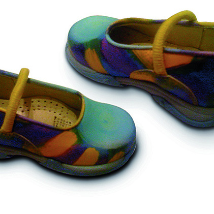 Using its Inca Eagle H, Extrema printed the designs onto the leather which was used to make the children's shoes.